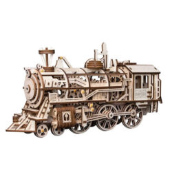 Locomotive à vapeur en bois assemblée